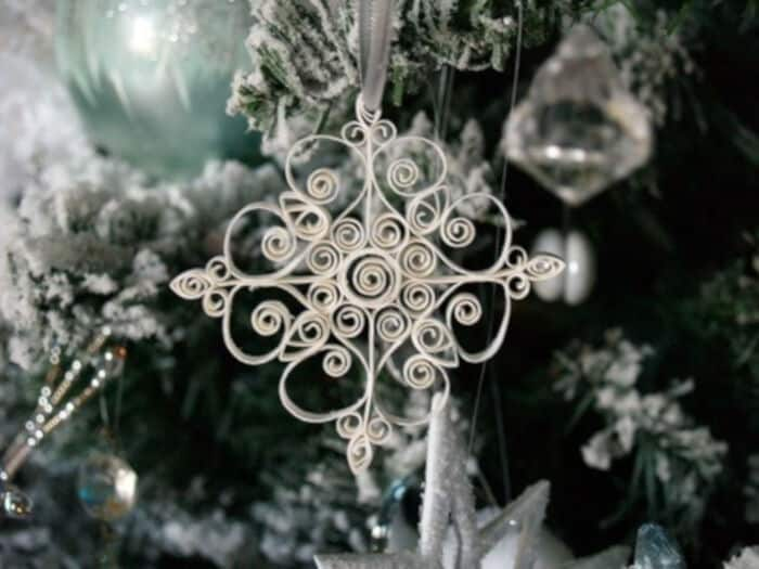 Quilled-Snowflake-Ornament-by-Reese-Dixon