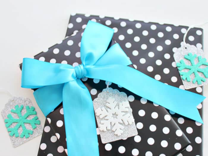 Silver-and-Blue-Snowflake-by-White-House-Crafts