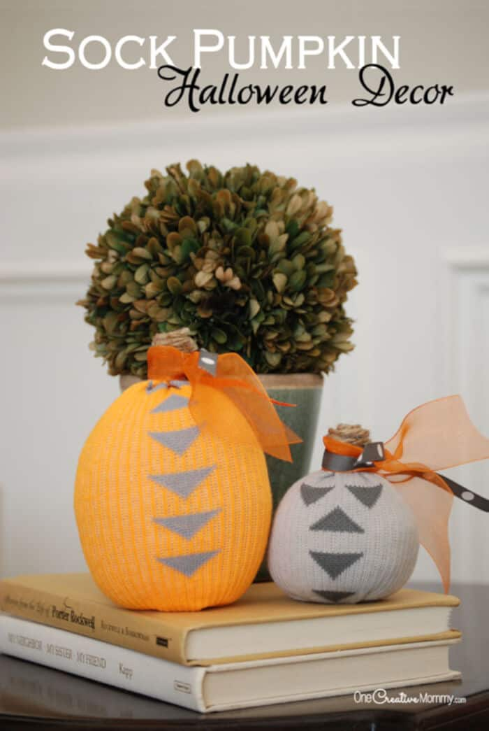 Sock-Pumpkin-Halloween-Decor-by-One-Creative-Mommy