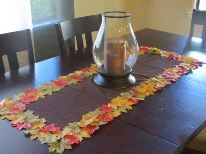DIY-Fall-Leaf-Table-Runner-by-The-Lovebugs-Blog